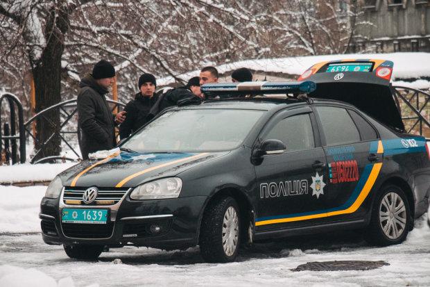 У Києві сталося зухвале пограбування серед білого дня: авто, бізнесмен і сумка з 40 тисячами