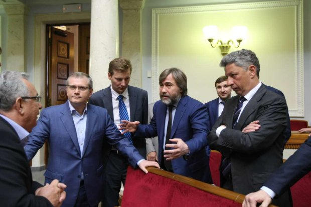 """Вслід за Бойком та Льовочкіним із """"Опоблоку"""" втекли  ще три депутати"""