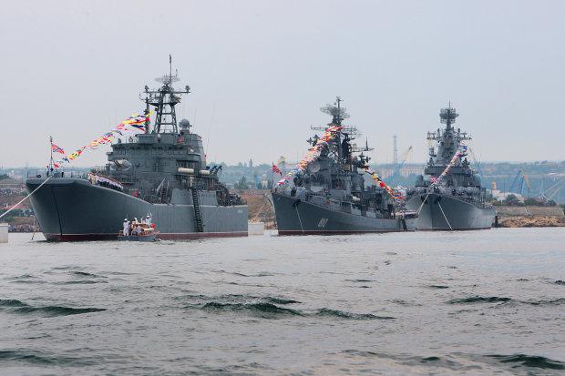 Россия начала стремительно наращивать силы в Черном море: Путин поставил три задачи