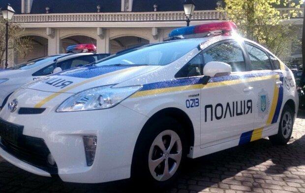 Харківський коп влаштував покатеньки на краденій машині, городяни лютують: деталі скандалу