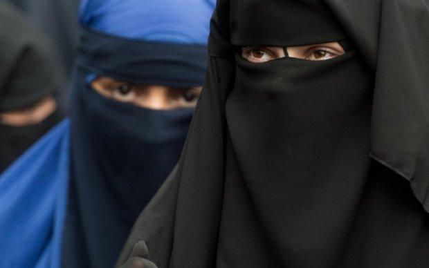 Німецьким службовцям заборонили мусульманський одяг