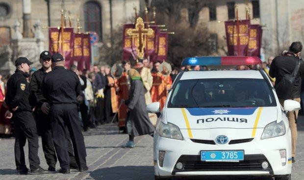 У Львові банда невідомих скоїла жорстокий напад на трьох іноземців: такого звірства поліція не бачила вже давно