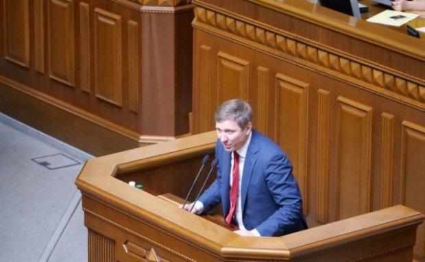Заставят приютить военных, а танки пустят по улице: Шахов рассказал, как запугивают украинцев