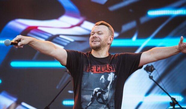 """Колишньому солісту """"Тартака"""" Положинському - 49: музикант попередив чоловіків про небезпеки """"середнього"""" віку"""