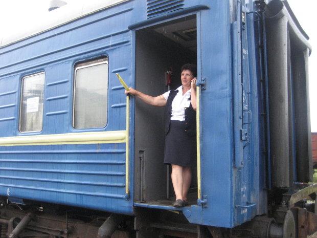 Працівниця Укрзалізниці відмовилась розмовляти українською з військовим: У нас всєєє так гаварят