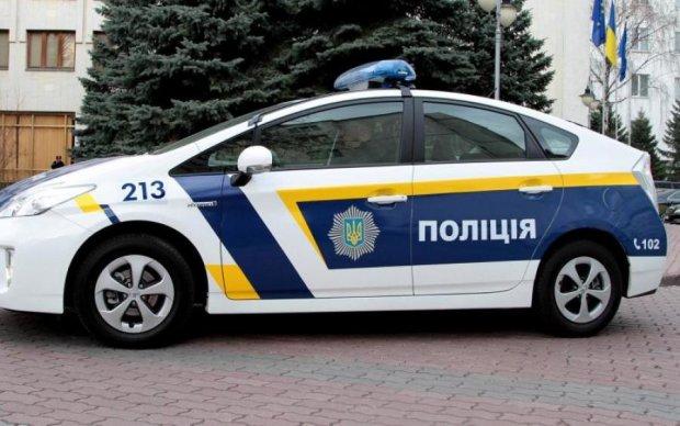 У Франківську здичавілий депутат кидався на людей і згадував чиюсь матір