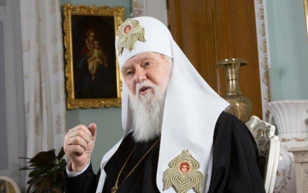 Патріарх Філарет заткнув рот попам УПЦ МП