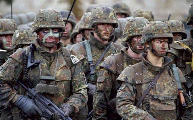 Вселенська змова: військових запідозрили у співпраці з прибульцями