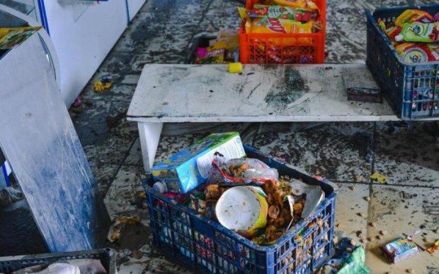 Гнилі і смердючі: українцям показали, які продукти продають їм насправді