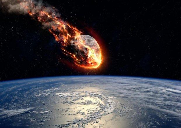 Людству загрожує не тільки Нібіру: величезний астероїд несеться до Землі