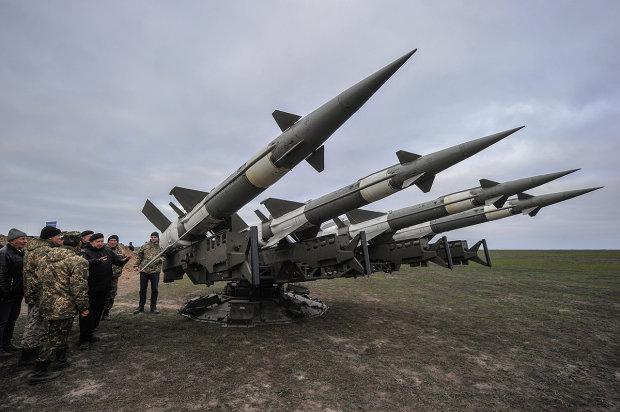Украинские ракеты над Крымом разорвали небо на мелкие части: эпичное видео