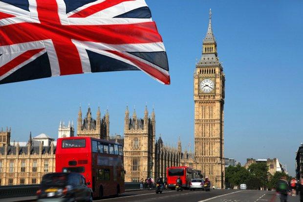 """Британия откажется от """"золотых виз"""", пострадают друзья Путина"""