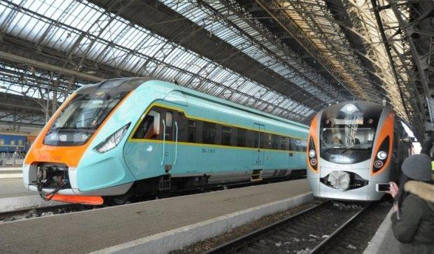 Укрзалізниця призначила додаткові поїзди Інтерсіті