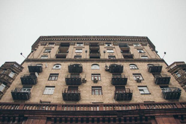 У Києві невідомі просто з-під носа поцупили старовинні пам'ятки архітектури