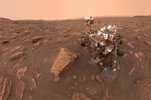 """""""Марсианский фотограф"""" запечатлел рассвет на Красной планете: удивительный кадр захватывает дыхание"""