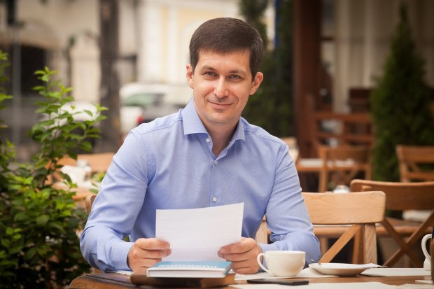 Микола Бабенко: робить ставку на важку стадію склерозу виборців