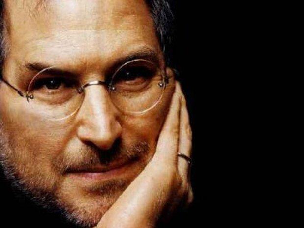 Директор Apple намагався віддати печінку Джобсу