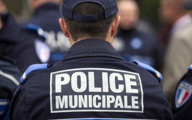 Французских избирателей эвакуировали из-за угрозы теракта
