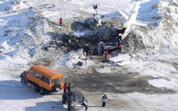 Літак однієї з найбільших авіакомпаній виявився безсилий перед блискавкою