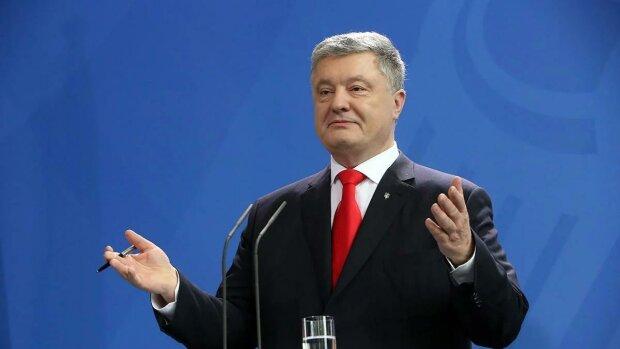 Порошенко показал любовь всей жизни и нарвался на ярость украинцев