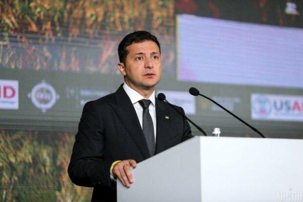 Польща вимагає від Зеленського виконання обіцянок: виправити те, що наробив Порошенко