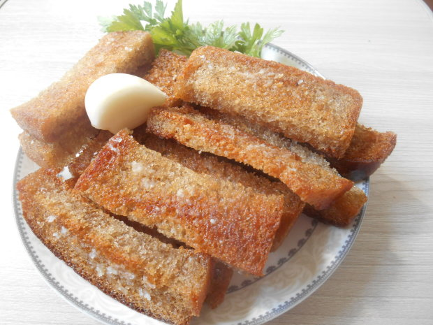 Гренки с чесноком: рецепт, который дополнит любое ваше блюдо