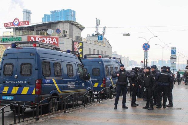В Киеве орудует опасная банда карманников, пострадали десятки: запомните эти лица