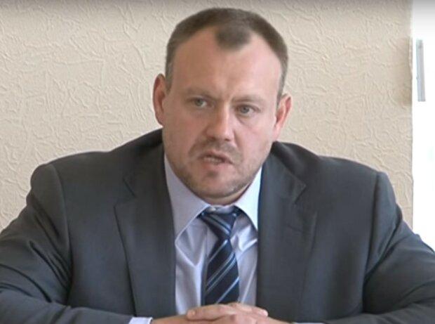 Михаил Черняк, скриншот из видео