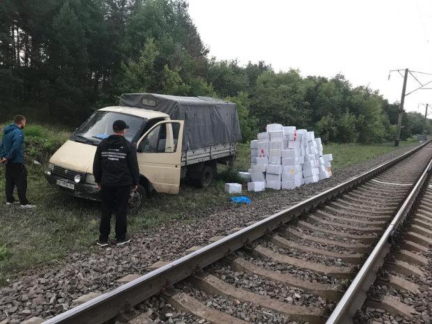 Під Харковом влаштували погоню за поїздом, мчав на всіх парах до Путіна: відео форсажу