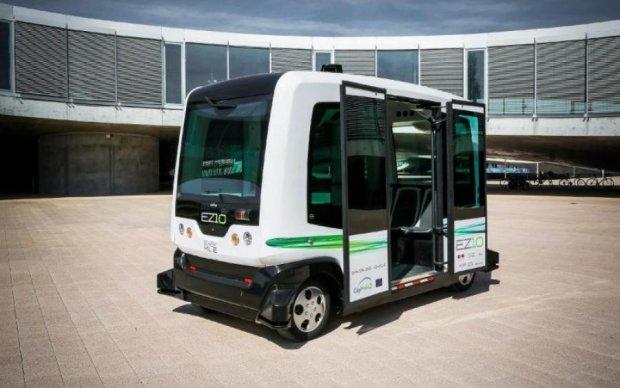 Безпілотний автобус підбере вас прямо з дому