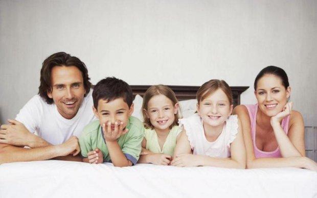 Острожно, вы захотите пополнения: 5 комедий о многодетных семьях
