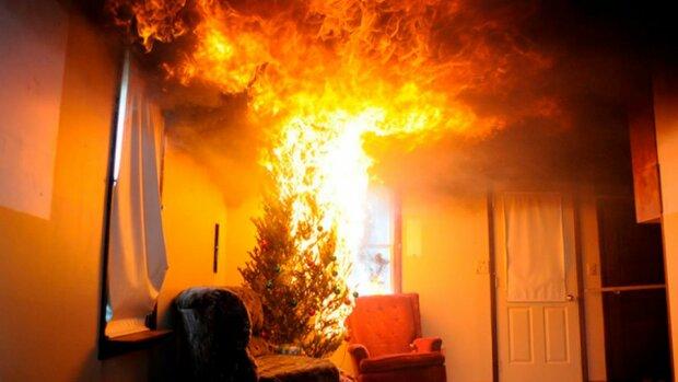 Коварная гирлянда забрала жизнь: в киевской квартире вспыхнул пожар