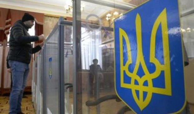 Житомирським виборцям не додали бюлетеня, а в Запоріжжі - зайві