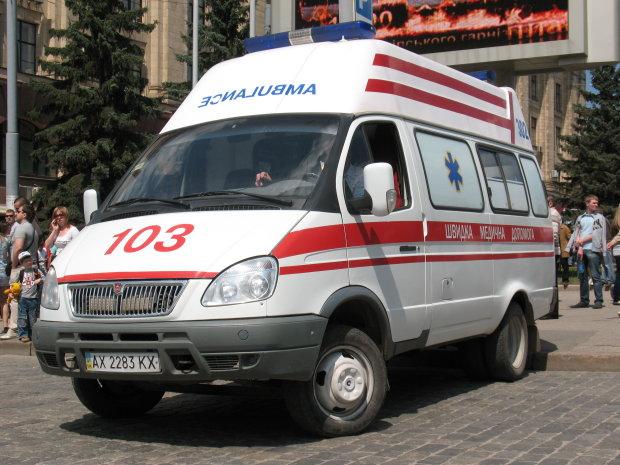 В Киеве озверевший киллер открыл огонь по прохожим, пулю поймала девушка: дикие кадры столичного  блокбастера