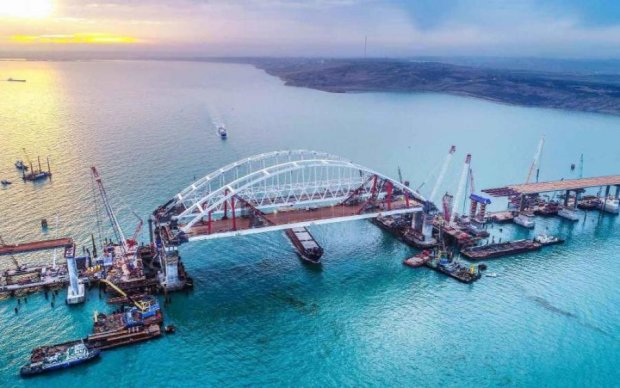 Российские императоры присоединились к дешевому пиару Крымского моста