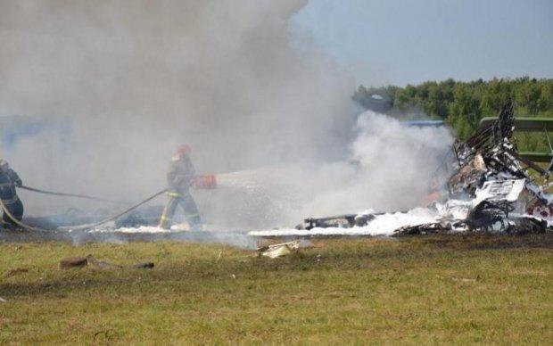 Момент аварії літака в Підмосков'ї зняли на відео