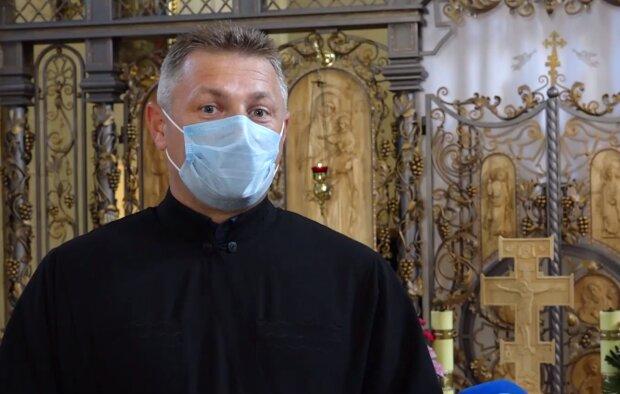 В храме на Тернопольщине появился уникальный иконостас ручной работы, в эту красоту влюбиться даже Бог