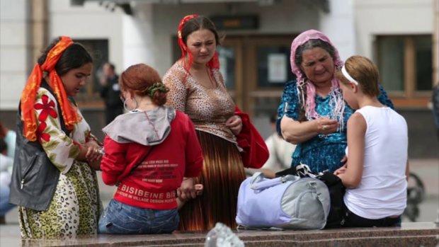 """Розлючений українець побив хитрозроблених панянок: """"Якби не втручання дружини, вони б валялися"""""""