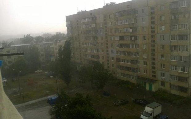 Не висовуйтесь: стихія продовжує страшити українців