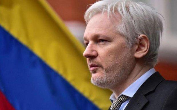 Головного борця за справедливість звинуватили у роботі на Кремль