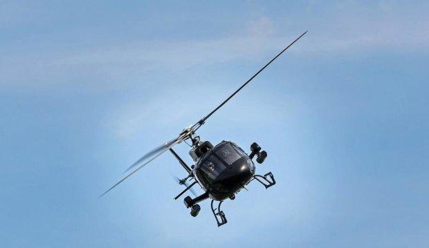 У США гелікоптер на повній швидкості влетів у хмарочос, у людей не було шансів: відео