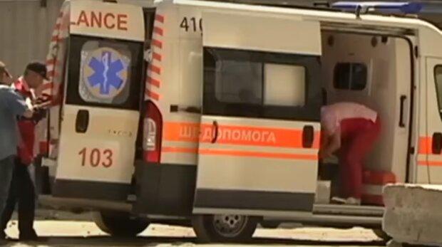 5 годин возили на швидкій - на Тернопільщині пацієнта з пневмонією відмовлялися приймати лікарні