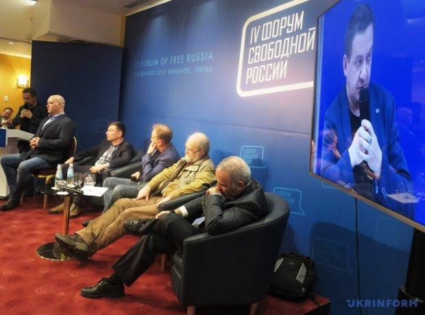 """В Литве российских пропагандистов изгнали под крики """"Слава Украине"""": скандальное видео"""