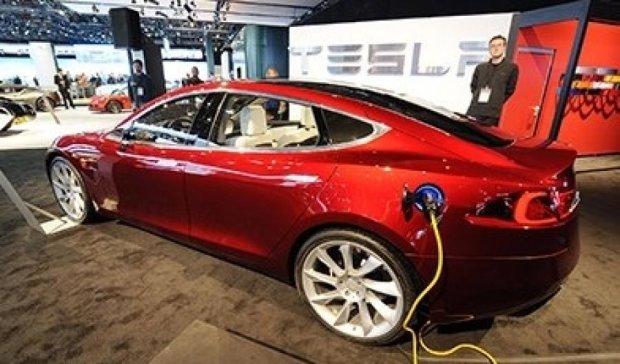 На електромобілі Tesla можна зекономити 200 тисяч гривень
