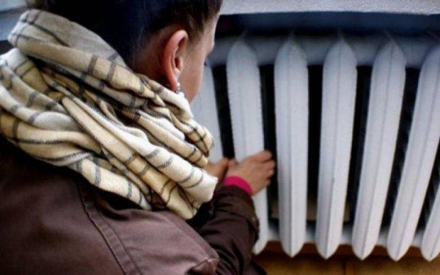 После отключения горячей воды киевлян оставят и без тепла
