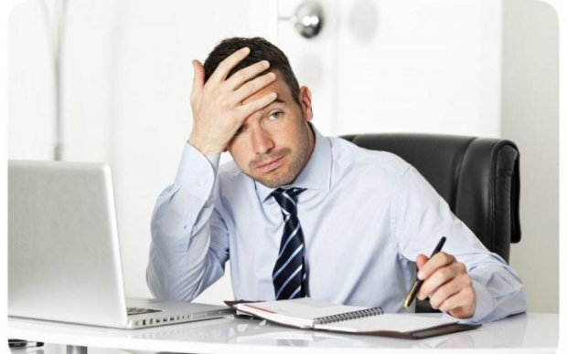 5 способів прикинутися трудягою в офісі