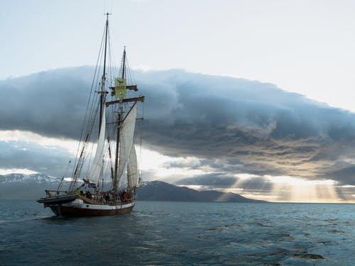 Привітання із Днем моряка у смс, Рexels