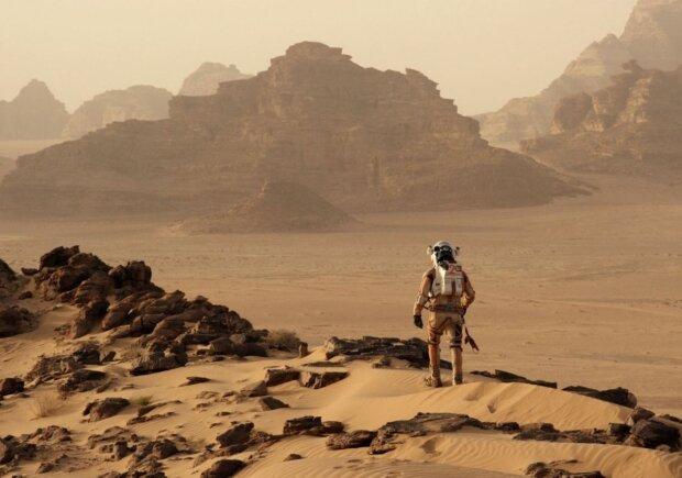 "Кадр из фильма ""Марсианин"", скриншот: rezka.ag"