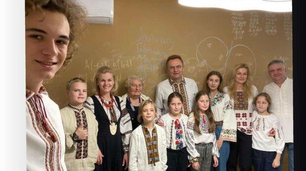 Андрій Садовий і сім'я, фото: Facebook