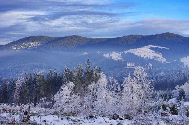 Карпати атакувала люта стихія: ситуація критична, півтора метра снігу
